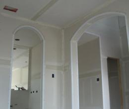 Кривые стены можно спрятать за гипсокартонном